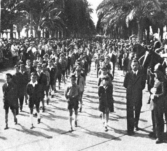 Alumnos Escuela Modelo_Manifestación 8 de marzo de 1931_La Calle 20 Marzo 1931.png