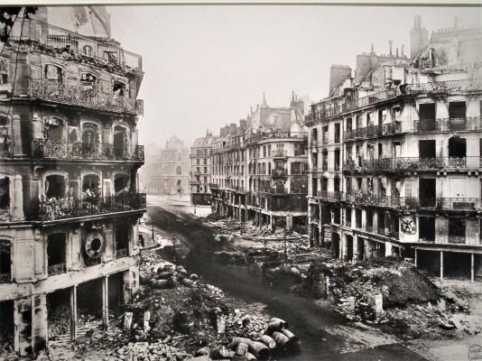 Paris_Commune_rue_de_Rivoli_1871