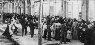 Reparto raciones comida Teatro retiro Barcelona 1906