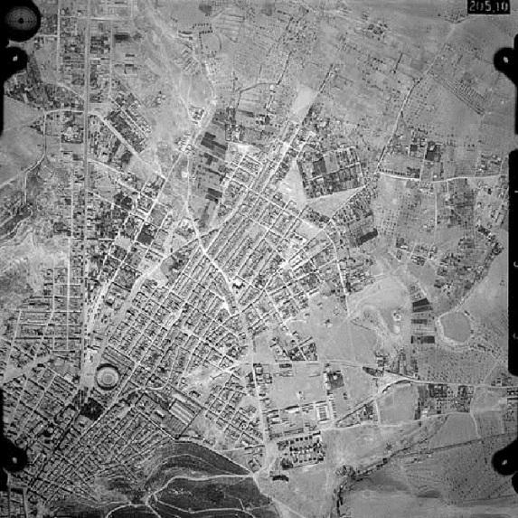 Vista aerea_Barrio de Carolinas_1945