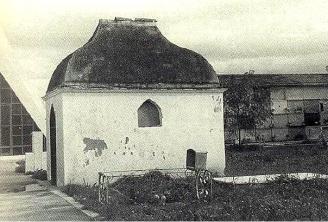 Vista cemenerio municipal Dènia, caseta que albergaba restos Antonio Vallalta