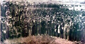 00_ManifestacionEntierroVictimasMotinHambre_1918