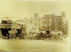 antiguo-mercado-de-la-puerta-del-mar-foto-ama