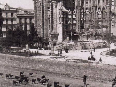 00_sAGRADAfAMILIA_1937