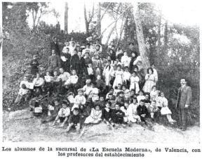 00_AlumnosEscuelaModernaValencia_CarasyCaretas 23-10-1909