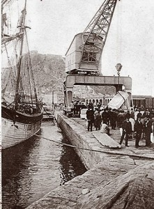 grua-antigua-puerto-alicante