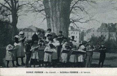00_Postal-EscuelaFerrerLaussana_1913