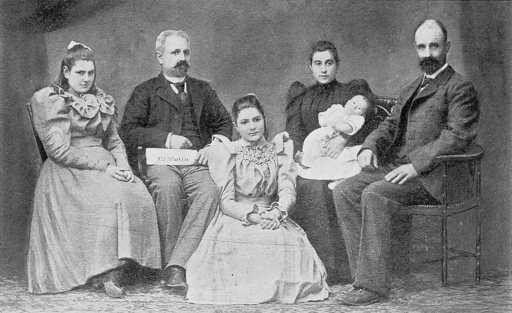 03_FamiliaFerrer_Australia _ 1897