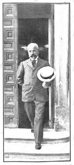 Francisco-ferrer-saliendo-de-la-audiencia-julio 1907