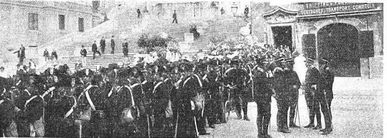 Manifestacion Roma 17-10-1909_plaza españa protegida