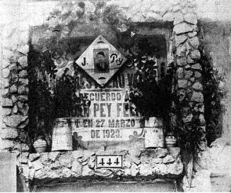 Tumba cementerio civil Montjuic_1931_Pey Ordeix-La Calle 25-09-1931