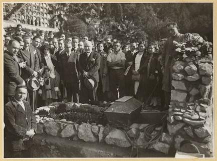Traslado restos de Ferrer Guardia_nicho Cementerio Civil de Montjuich_AMB_02