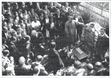 Traslado restos de Ferrer Guardia_nicho Cementerio Civil de Montjuich_Mundo Grafico 11-1932