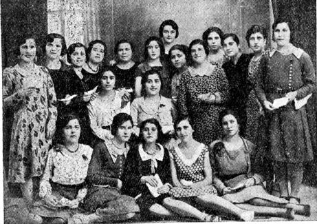 grupo muchachas de la JS de Villena_Renovación 20-09-1931