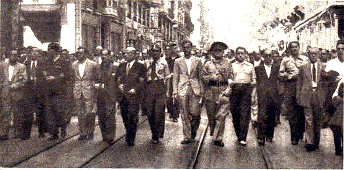 miembros del CEP a principios de septiembre -Vela es el sexto por la izquierda-