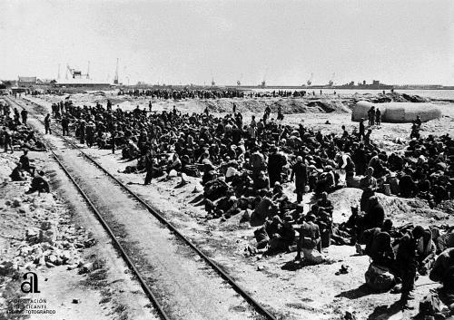 exilio_Prisioneros republicanos sobre las vías del Ferrocarril Alicante-Murcia