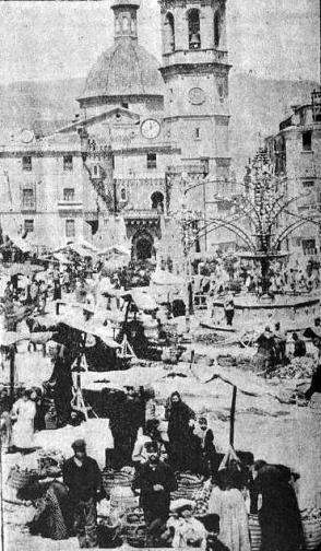 Vista Alcoy_Plaza Mayor en dia de feria_1900