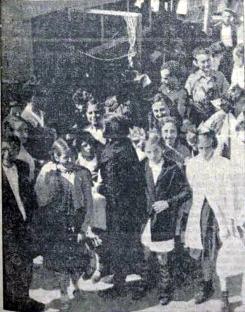 Niños madrileños refugiados en Valencia_traslado en coches a colonias_fragua social 09-10-1936