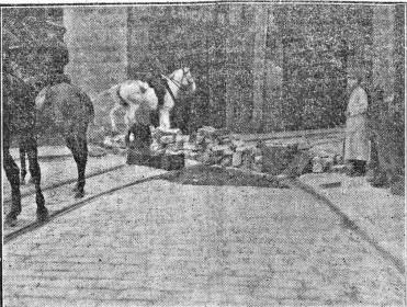 Huelga 1916_barricada calle Bolseria Valencia_marzo 1916