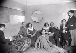 La Criolla_Flor de Otoño_Sagarra_Febrero 1933_Reservado_Flor de Otoño_sagarra...pepe de la criolla y sus amigos trotski, la asturiana