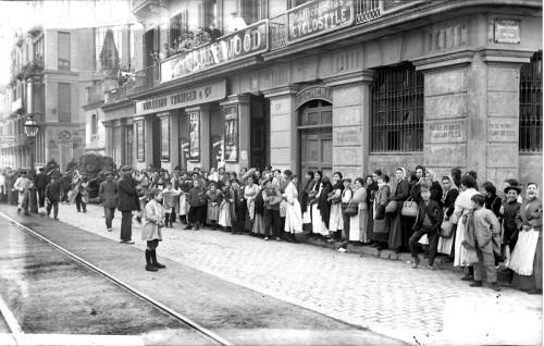 Barcelona_Colas Abastecimientos-década 1910